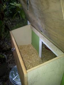 open lid on external nesting box